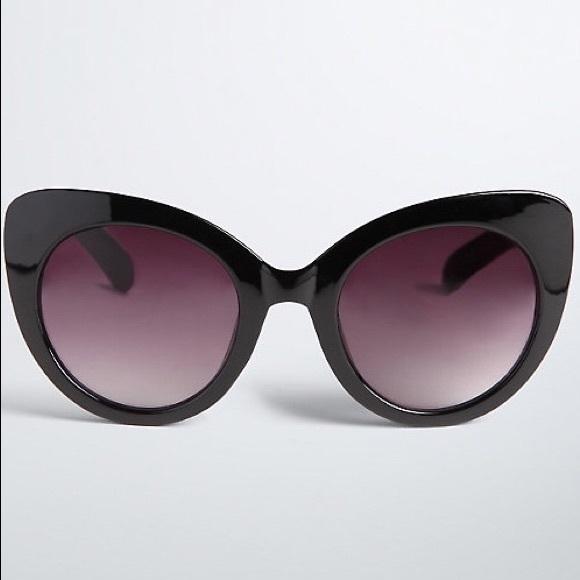 58c03a3dcb2b5 💌FREE SHIPPING Torrid black cat eye sunglasses
